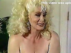Grosses Belles Femmes, Gros Nichons, Blonde, Cunnilingus , Curvy, Mignonette, Sexe De Groupe, Poilu, Helga Sven, Lesbiennes,