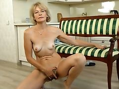 Diana Gold, Hairy, Mature, MILF, Solo,