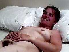 пальцем, волосатые, мастурбация, мамочка, стонет, соски, секс игрушки, дразнит,